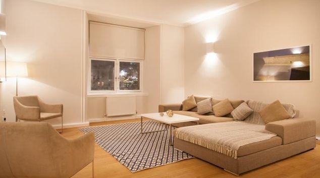 Living area at Premier Suites Plus Glasgow