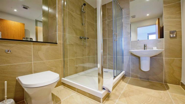 Bathroom at Flying Butler London Bridge Apartments