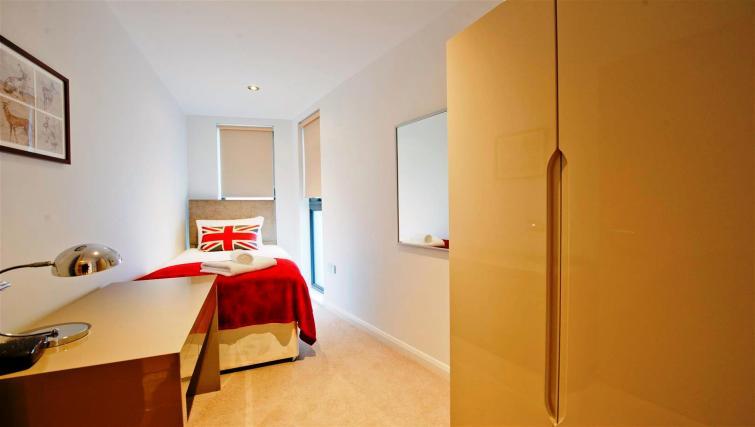 Single bedroom at Flying Butler London Bridge Apartments