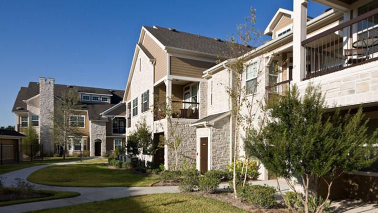 Exterior of Marquis at Cinco Ranch Apartments
