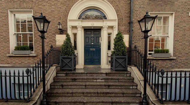 Front  Premier Suites Plus Dublin Leeson Street