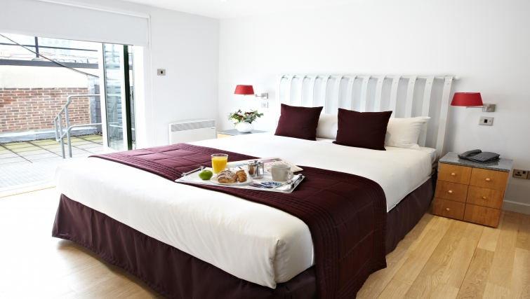 Double bedroom at 196 Bishopsgate Apartments