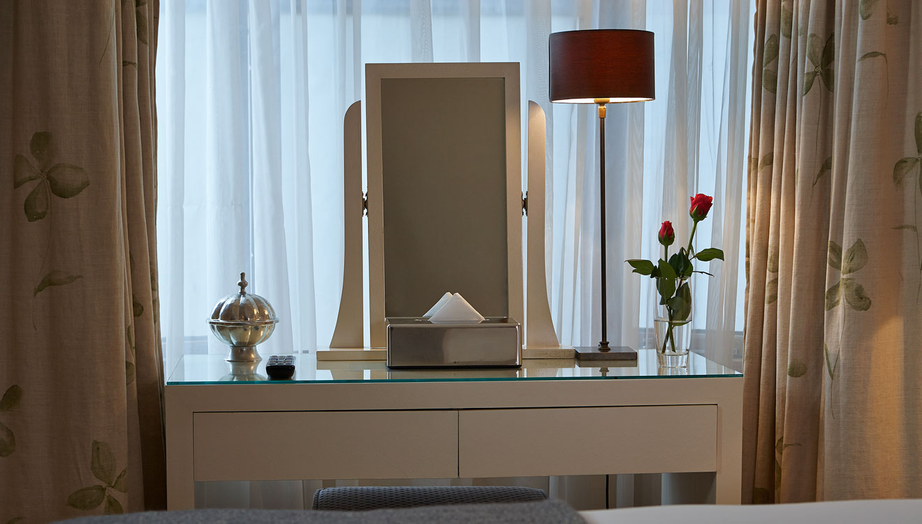 Dressing table at Cheval Knightsbridge - Montpelier Mews Apartments