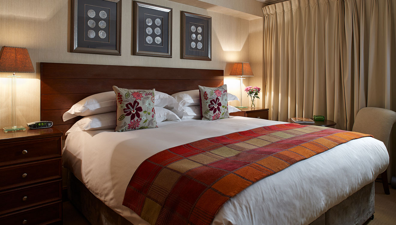 Bed at 148 Cheval Brompton Road