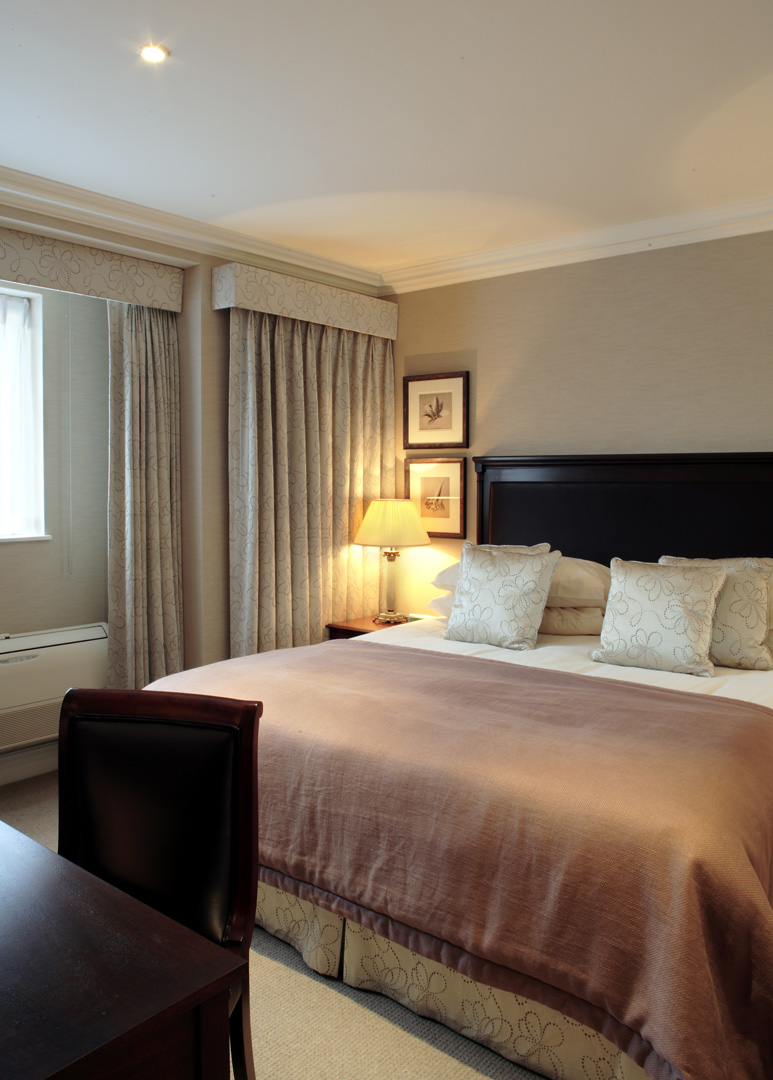 Grand bed at 148 Cheval Brompton Road, Knightsbridge, London