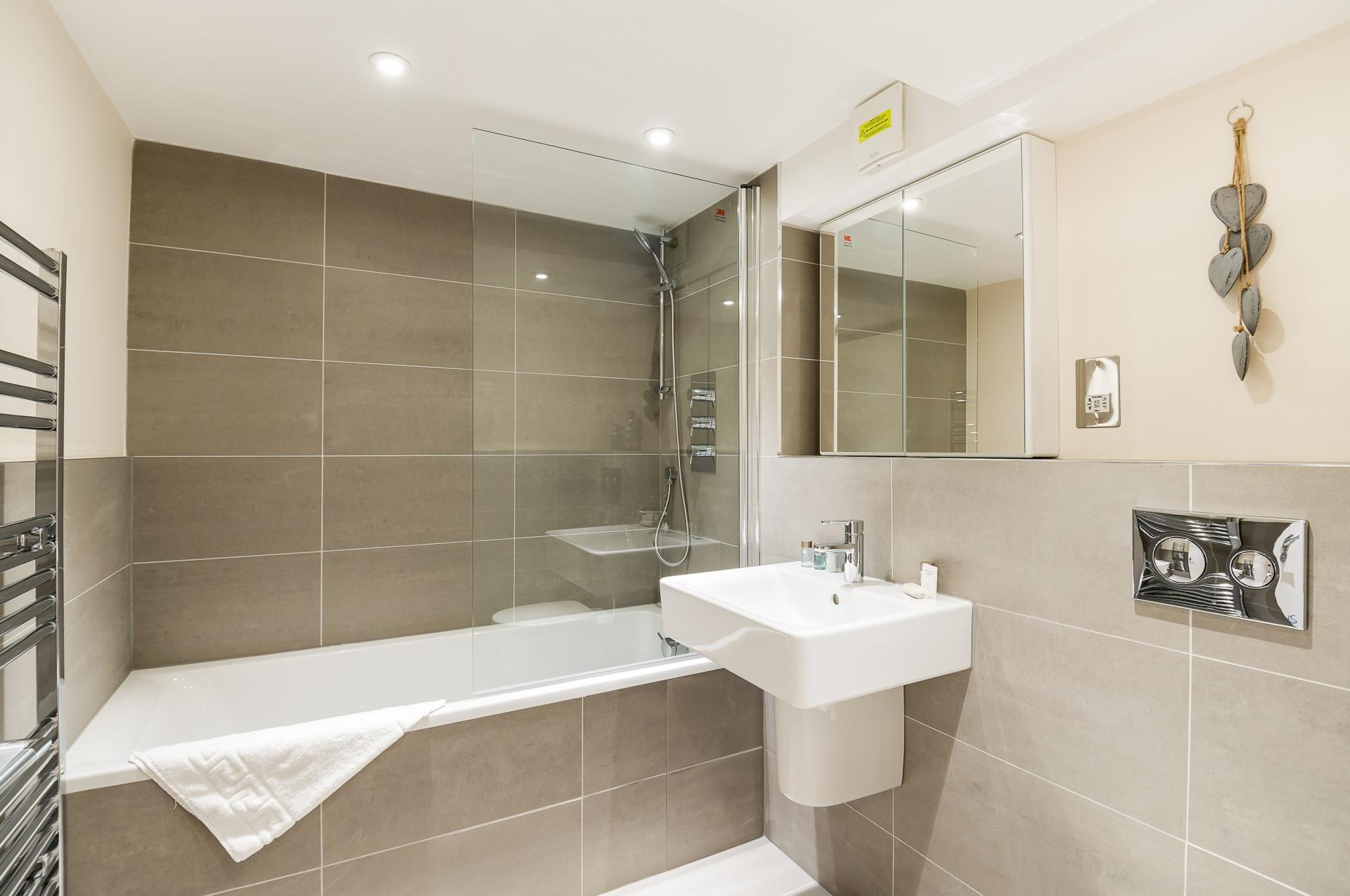 Bathroom at Flying Butler Vincent Square Apartments, Victoria, London