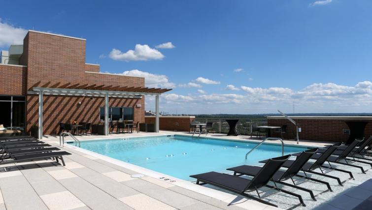 Pool at Gallery Bethesda Apartments