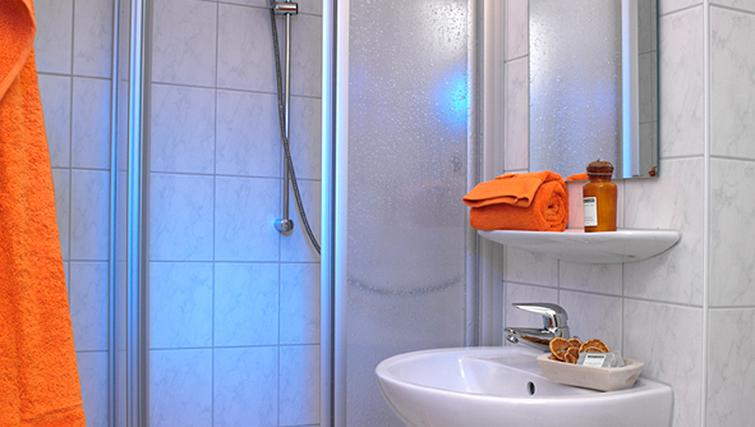 Bathroom at Frederics Smart Hohenzollernplatz Apartments