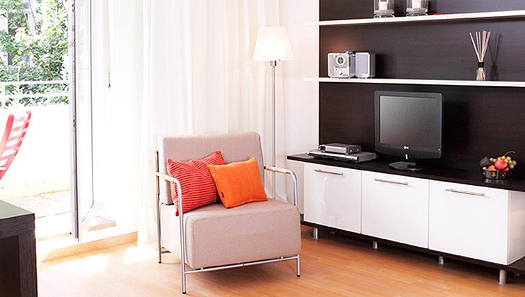 Living area at Frederics Smart Hohenzollernplatz Apartments