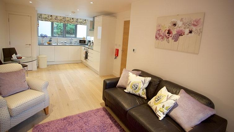 Open-plan living area at Pringle House Apartments