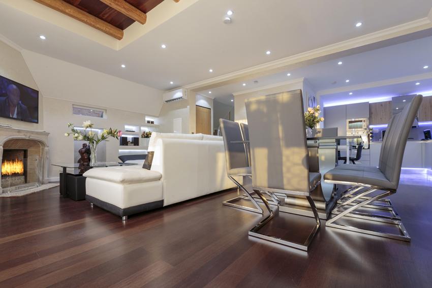 Living room at Villa Vinicia Apartments