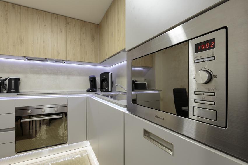 Microwave at Villa Vinicia Apartments