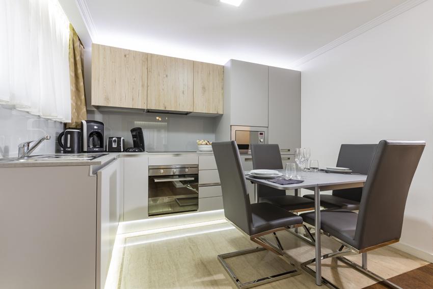 Seating area at Villa Vinicia Apartments