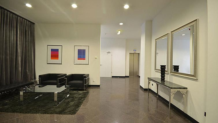 Lobby at City Apartments Frankfurt