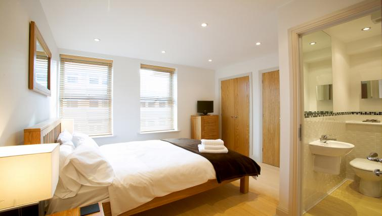 Double bed at Pelican House