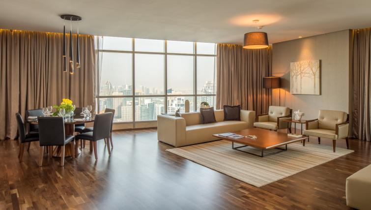 Spacious lounge at InterContinental Dubai Marina