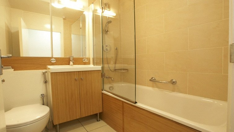 Classic bathroom at Presidential Marylebone Apartments