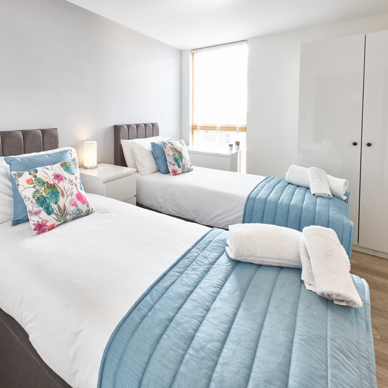 Twin beds at Vizion Milton Keynes Apartments, Centre, Milton Keynes