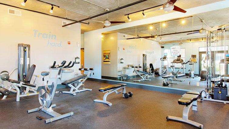 Fitness centre at Amli Downtown Apartments