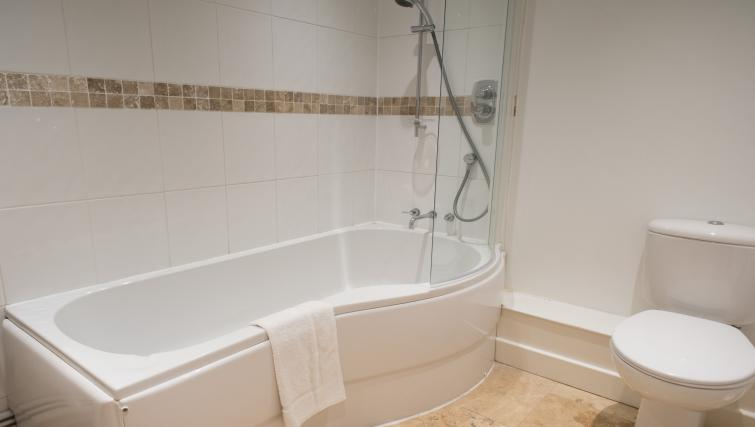 Bath at Nelson Court Apartments