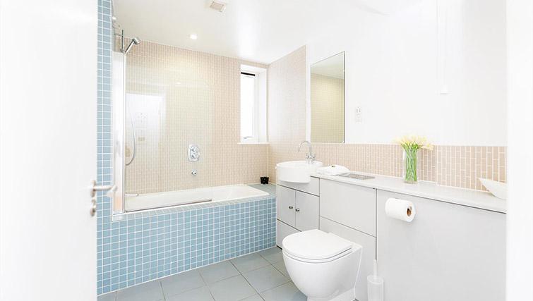 Bathroom at Kew Bridge Court Furnished Apartments