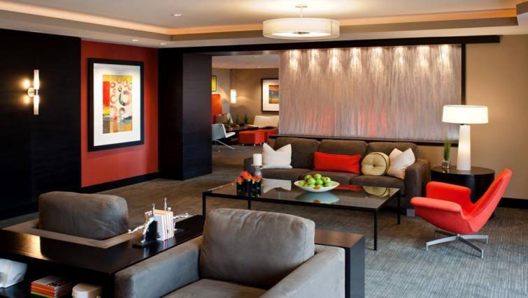 Communal lounge at Meridian at Pentagon City