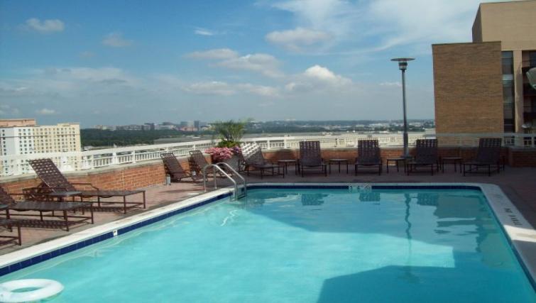 Swimming pool at Meridian at Pentagon City
