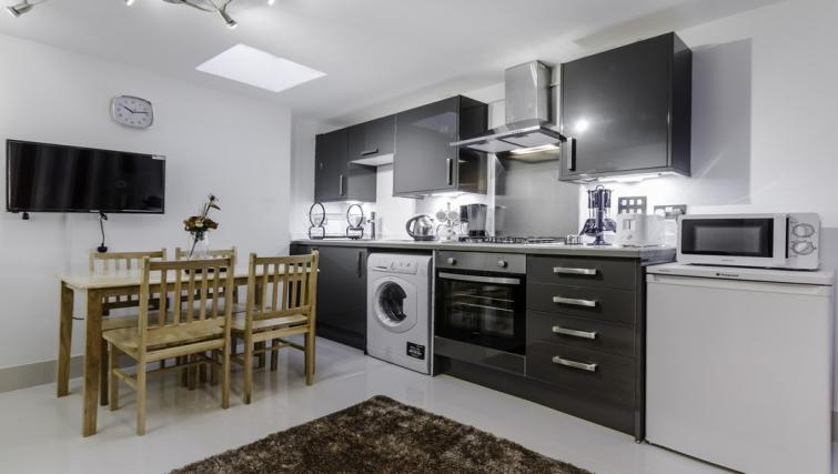 Kitchen facilities at Citygate Apartments