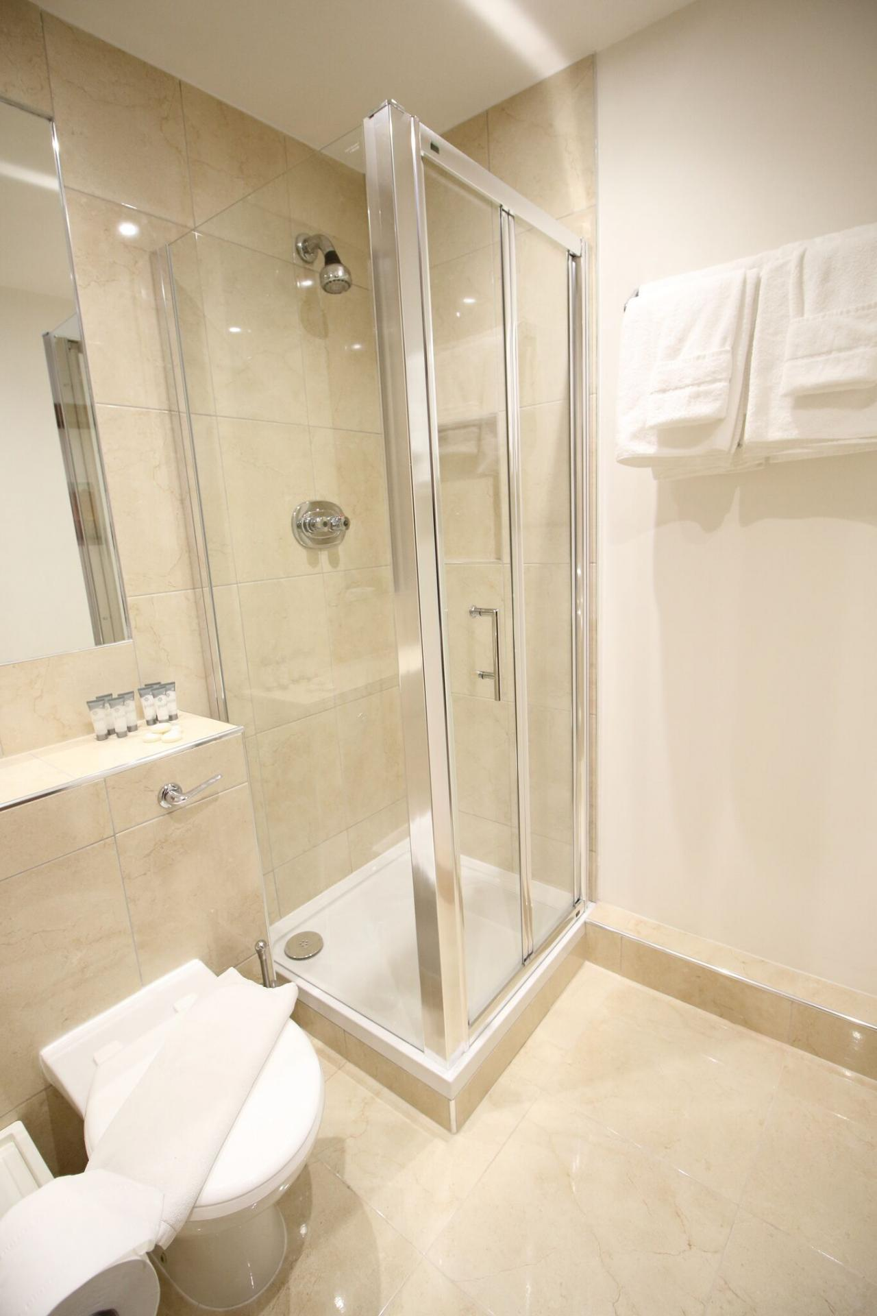 Bathroom with shower at O'Connell Bridge Apartments, Centre, Dublin