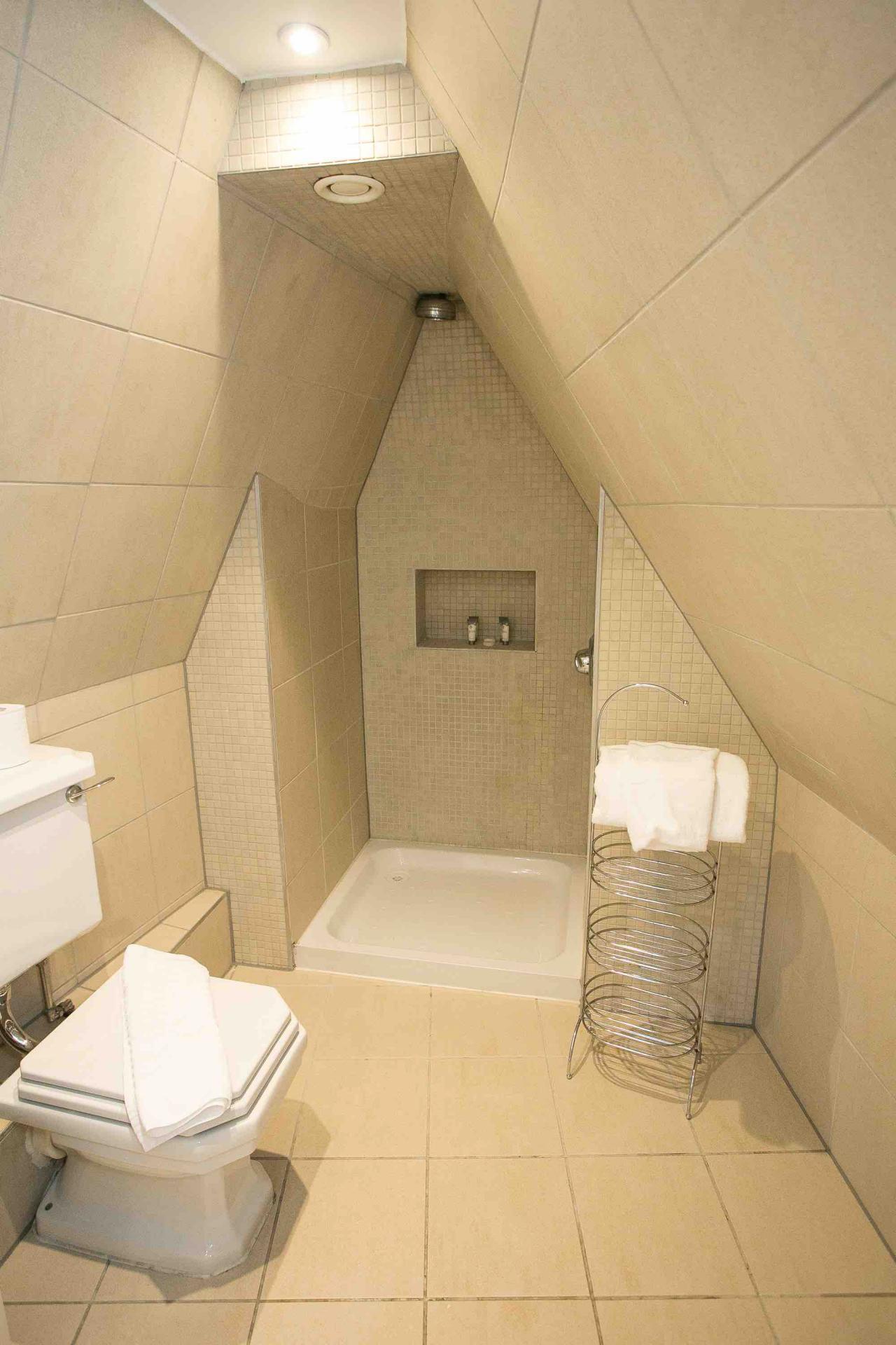 Shower at O'Connell Bridge Apartments, Centre, Dublin
