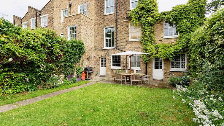 Private garden at Englefield Road House