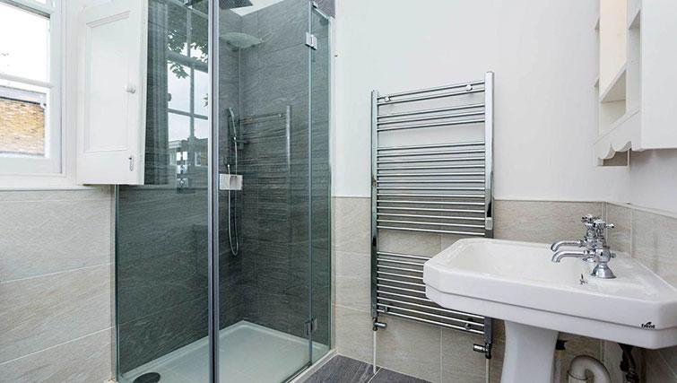 Shower at Englefield Road House