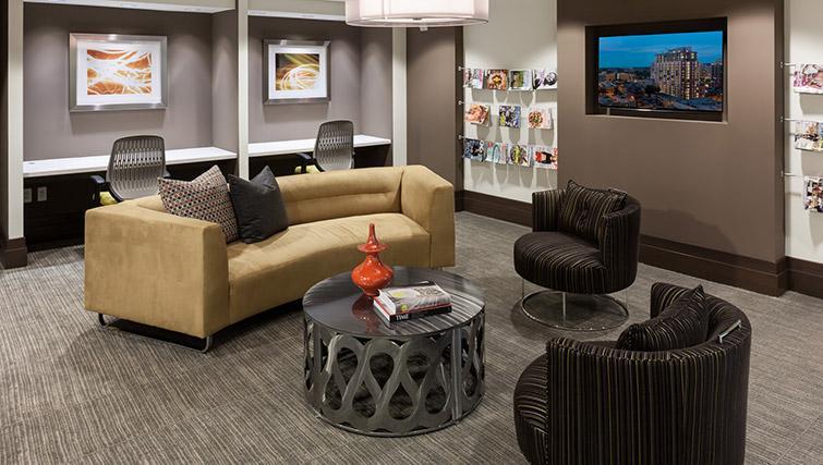 Communal lounge at Bainbridge Bethesda Apartments