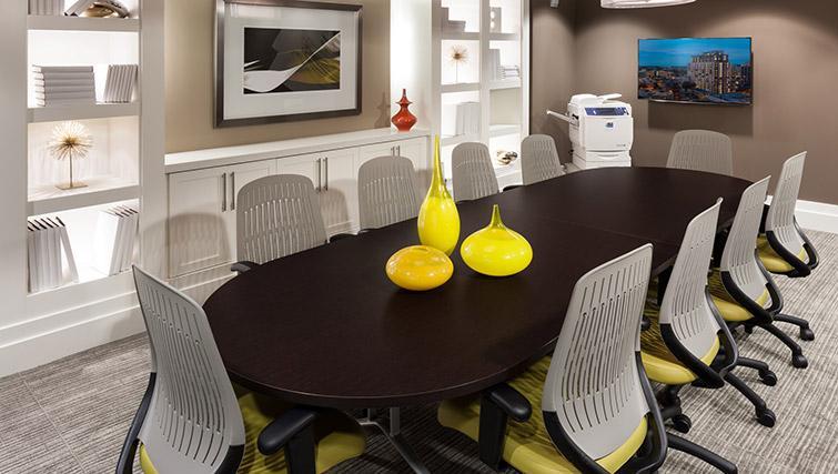Meeting room at Bainbridge Bethesda Apartments