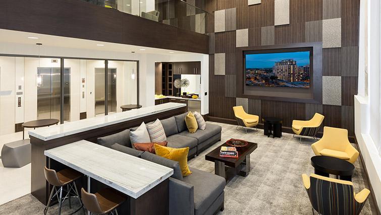 Living area at Bainbridge Bethesda Apartments