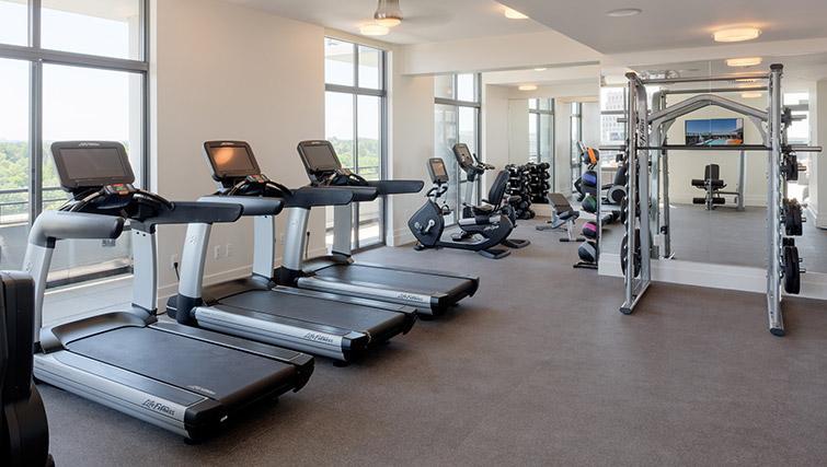 Fitness centre at Bainbridge Bethesda Apartments