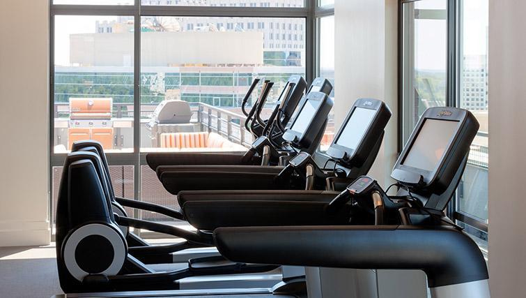 Gym at Bainbridge Bethesda Apartments