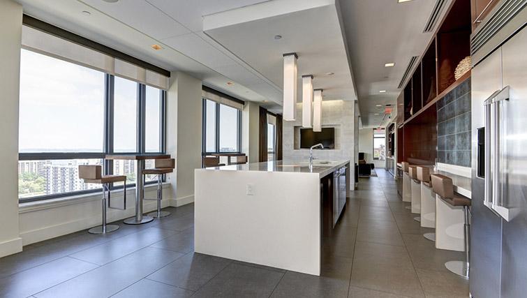 Kitchen area at Metropolitan Park Apartments