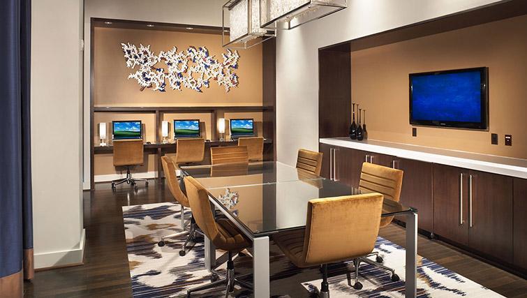 Business centre at Metropolitan Park Apartments