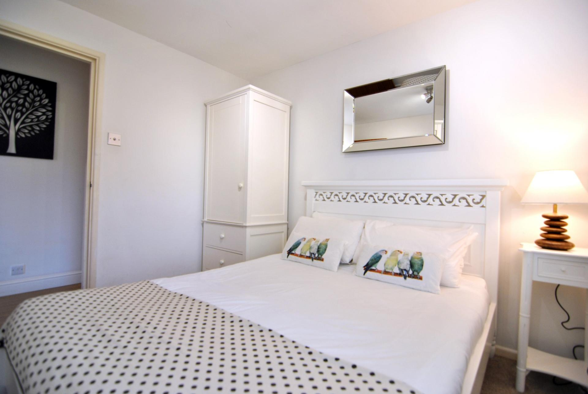 Double bed at Camperdown House