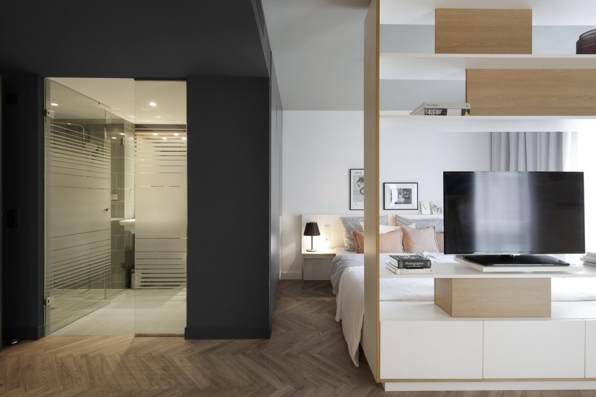 Ensuite at Smartments Munich Apartments, Schwabing-West, Munich