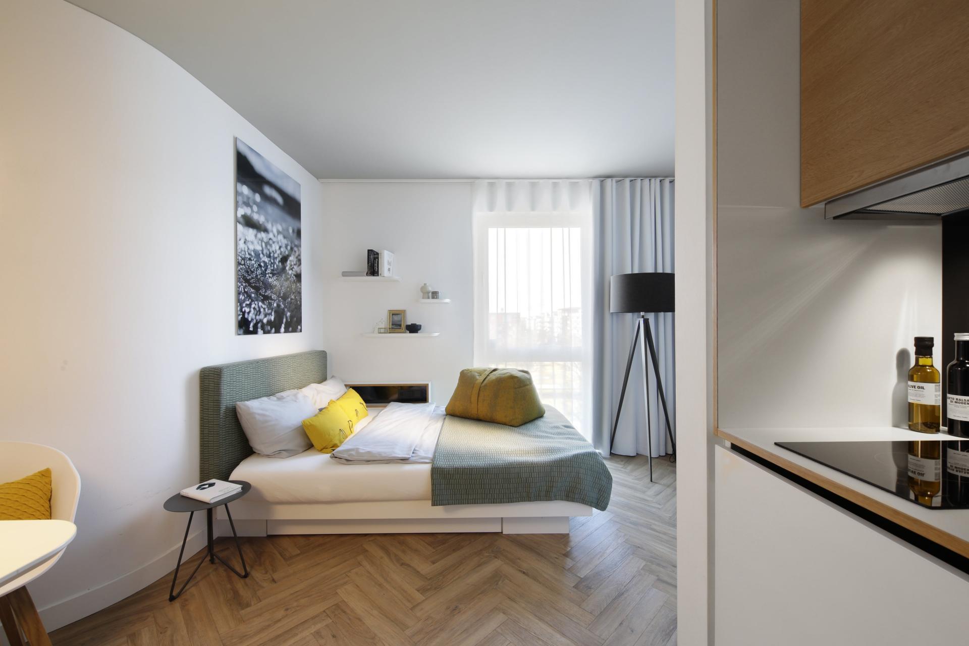 Bright bedroom at Smartments Munich Apartments, Schwabing-West, Munich