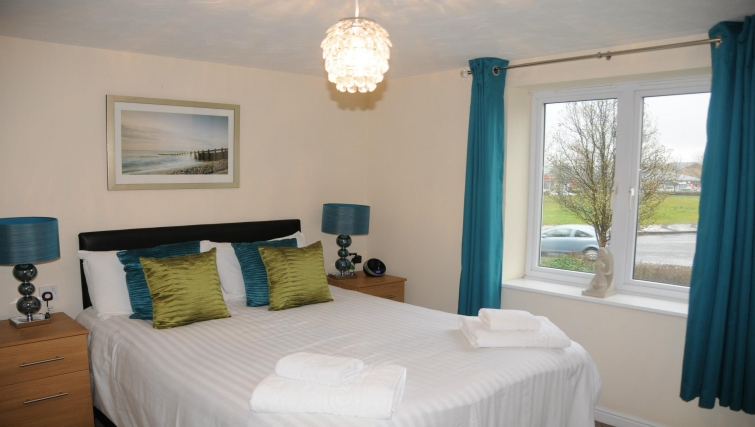 Comfortable bedroom in Orchard Gate Apartments