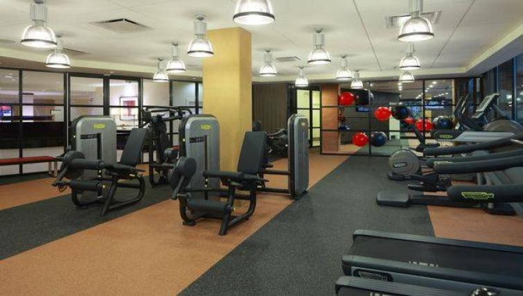 Fitness centre at 1919 Clarendon Apartments