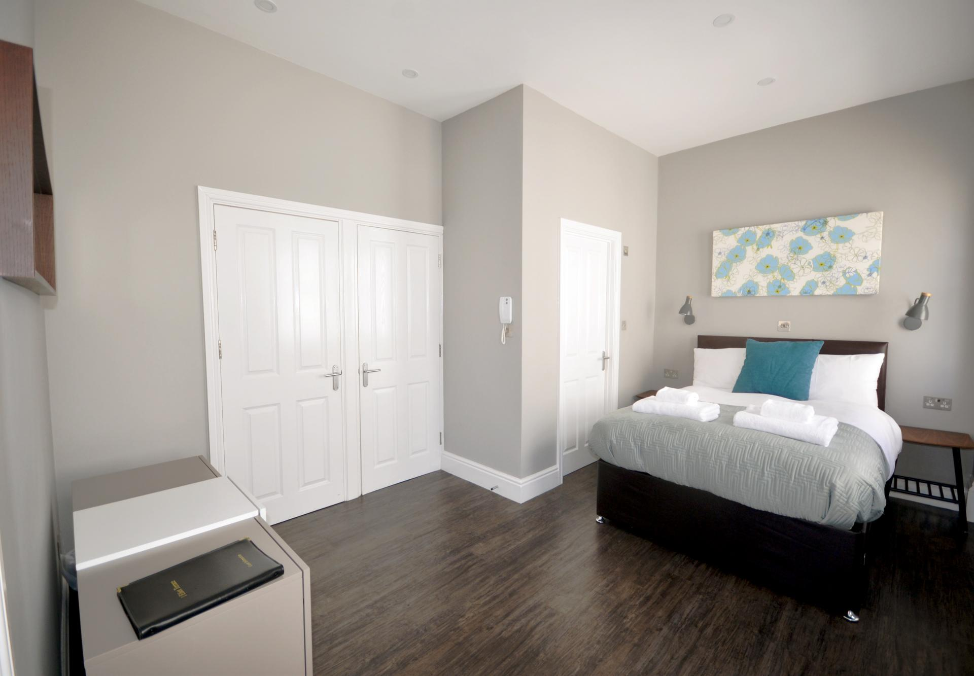 Spacious bedroom at Elliot Terrace Apartments