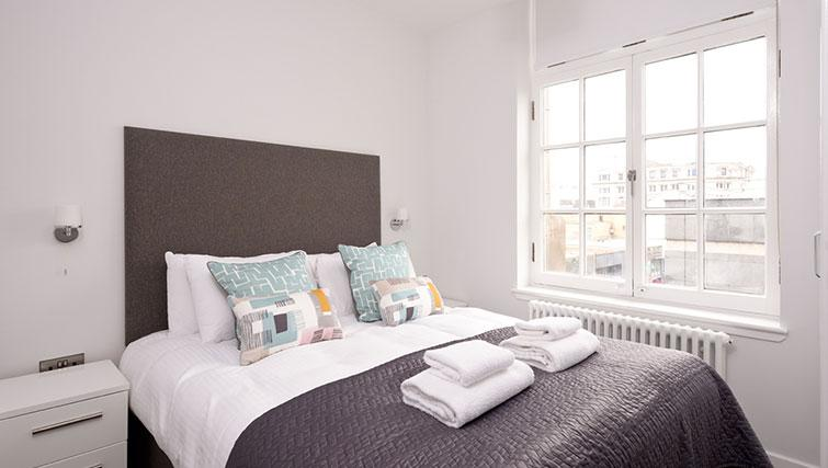 Second bedroom at Glassford Residence