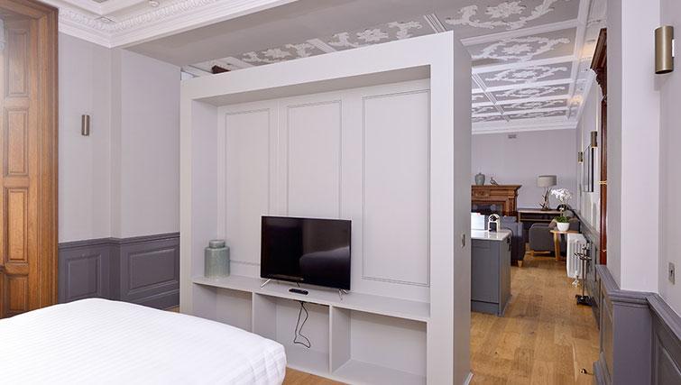 Modern bedroom at Distillers House