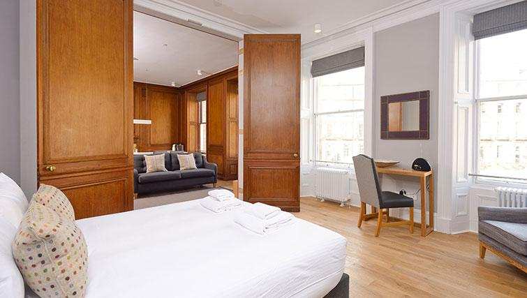 Large bedroom at Distillers House