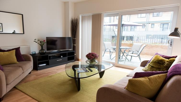 Living space at Flamsteed Close Apartments