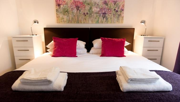 Double bedroom at Flamsteed Close Apartments
